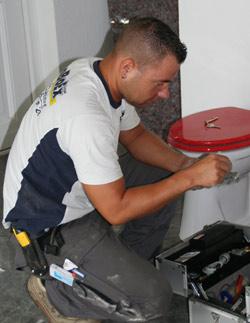 toilette einbauen wc anschlie en oder wechseln boboex gmbh sanit r gas l heizung. Black Bedroom Furniture Sets. Home Design Ideas