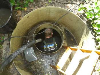 zisterne regenwassertank entschlammen reinigen boboex. Black Bedroom Furniture Sets. Home Design Ideas